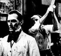 Peter Cushing las pasa de perras en REVENGE OF  FRANKENSTEIN (1959)